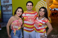 Caroline Trindade, Diego e Luciana Uruguai