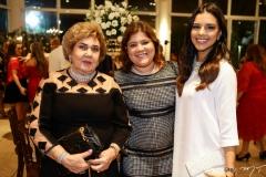 Consuelo e Gisela Dias Branco, com Mariana Rios
