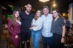 Barbara Falcão, Lucas Félix, Vitória Falcão, Júlio Jorge e Kelly Rios