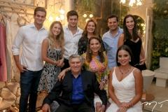 Ravi Macedo, Bruna Magalhães, Omar Macedo, Patricia, Amarilio Macedo, Geni, Huilton e Bianca Correia Lima e Fernanda Levy