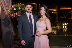Victor Siqueira e Joana Bezerra