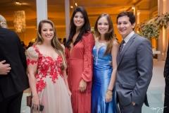 Izadora Brandão, Mariana Alves, Lia Fontenele e Henrique Falcão