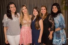 Amanda Timbó, Fernanda Arruda, Lívia e Danielle Pinheiro, com Camile Arruda