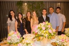 Amanda Timbó, Lívia, Danielle Pinheiro, Fernanda e Gustavo Arruda, com Valdísio e Vitor Pinheiro