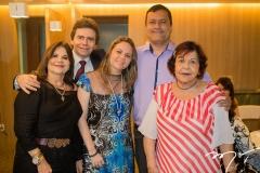 Marta Mendes, Fernando Furtado, Raquel e Alexander Oliveira, com Lenira Arruda