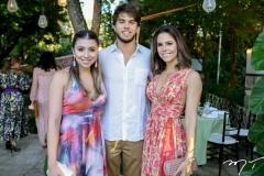 Amanda, Arthur e Alice Diniz