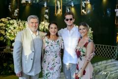 Amarílio, Patrícia e Ravi Macêdo e Bruna Magalhães