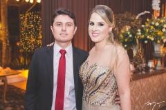 Douglas Torres Neto e Naiana Benevides