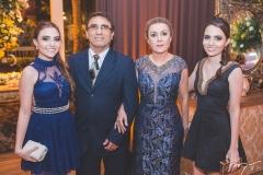 Rafaela Machado, Jesamar Júnior, Cíntia Machado e Gabriela Machado