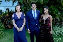 Daniela e Tito Bezerra e Carol Studart