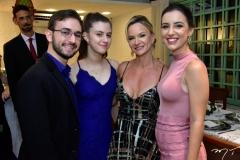 Pedro e Laura Furtado, Emanoela e Mariana Saboia