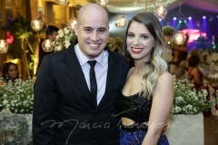 Carlos Maçude e Mayara Sousa