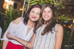 Luzia e Carol Victor