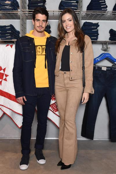 Calvin Klein inaugura primeira flagship store em São Paulo com ... 72ab9c02b6