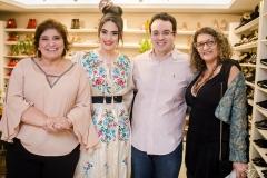 Socorro Trindade, Liz e Thiago Arcoverde e Lúcia Ribeiro
