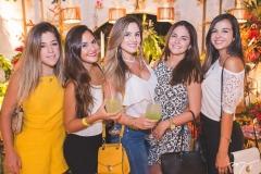 Patrícia Pessoa, Yulia Lopes, Desirée Macedo, Suyanne Macedo e Rebeca Macedo