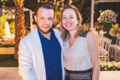 Roberto Alves e Adriana Ximenes