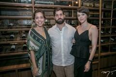 Victoria Sarro, Felipe Rocha e Paulinha Sampaio