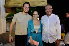 Felipe Costa, Scarlet Soares e Marcos Costa