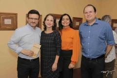 Henrique Sá, Lara Vieira, Katherine Mihaliuc e Marcos Mauricius