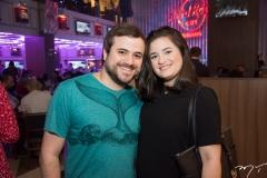Felipe Moura e Louise Almeida