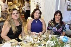 Lívia, Lilian e Liane Theophilo