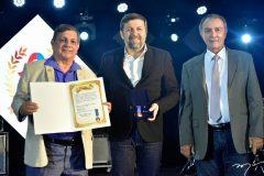 Élcio Batista recebe Medalha Djalma Baiman