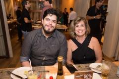 Hugo Dasmaceno e Maria Ester Oliveira