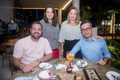 Vitor Barcelos, Camilla Andrade, Isabella Porcaro e Bruno Bertrand