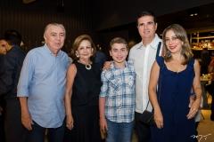Hugo Brasil,  Norma Brasil, Lucas, Roger e Tatiana  Jeressati