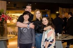 Maurício, Vinnie, Patrícia e Izadora Benevides (1)