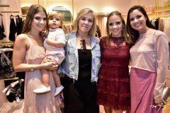 Giovanna e Benicio Gripp, Estael Santiago, Nathalia Petrone e Patricia Lobo