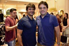 Marcio Petrone e Felipe Esteves