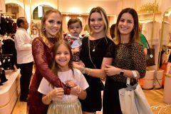 Nathalia Petrone, Rafael e Nathalia Ponte,Raquel Petrone e Manoela Petrone