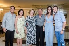 Beto e Ana Studart, Auxiliadora e João Carlos Paes Mendonça, Luciana Sousa e Élcio Batista