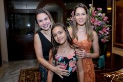 Adriana Queiroz, Maria Bacelar e Marilia Queiroz