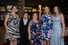 Elisa Oliveira, Sônia Nogueira, Maria do Carmo, Talyzie Mihaliuc e Mônica Pissolati
