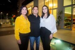 Luciene Evangelista, Francisco Sousa e Larissa Evangelista