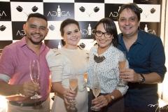 Rafael Costa, Renata Valetim, Carol Crisóstomo e Vicente Pessoa