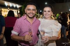 Rafael Costa e Renata Valentim