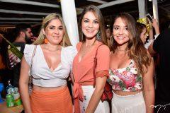 Isabela e Ana Helena Freitas e Camila Queiroz