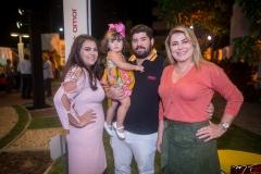 Beatriz, Bela, João, Victor Carneiro E Cris Cavalcante