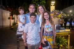 Júlia, Marco, Beatriz, Edson Queiroz Neto E Ticiana Rolim Queiroz