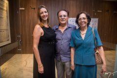 Viviane-Maia-Rogério-e-Maria-do-Carmo-Sousa