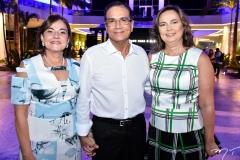Ana Maria e Beto Studart e Renata Santiago