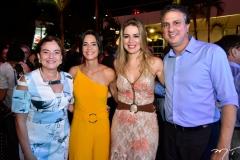 Ana Maria, Karine Studart, Onélia e Camilo Santana