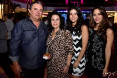 Ezio, Lilian, Raissa e Nicole Guerra