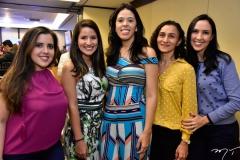 Renata Marinho, Isadora Frota, Lilian Leite, Luciane Bezerra e Gabriele Moraes