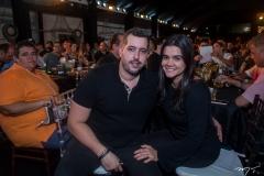 Tiago e Priscila Leal