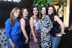 Aumerinda Oliveira, Laise Moreira, Giseli Brasil, Luciana Cherry e Amélia Mota